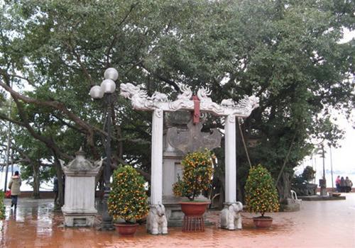 Quan Thanh Temple-5