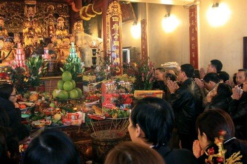 Quan Thanh Temple-6