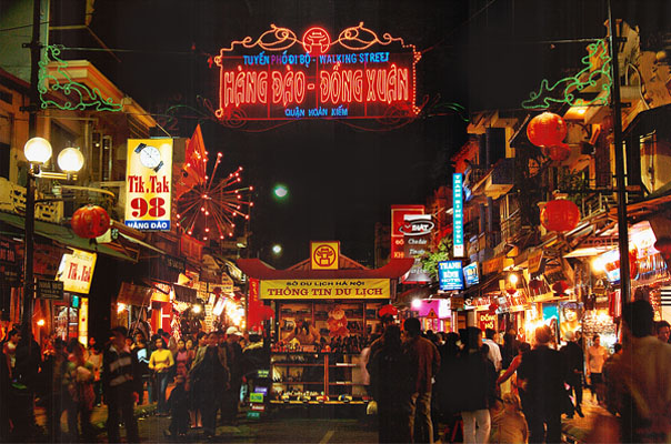Weekend night market in the heart of Hanoi - Welcome to Hanoi