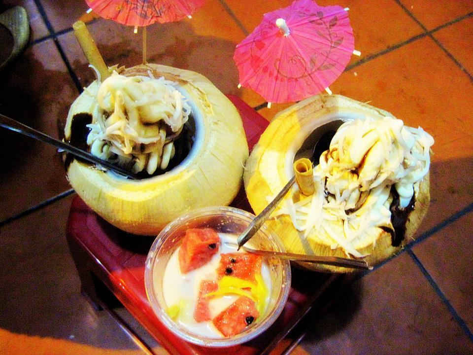 coconut ice-cream shops of Hanoi-3