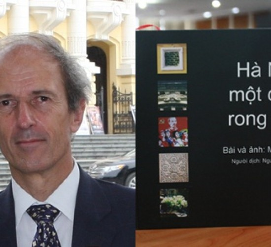 "Mr. Martin Rama and the book ""Hanoi, a place to rove"" (Given by Martin)."