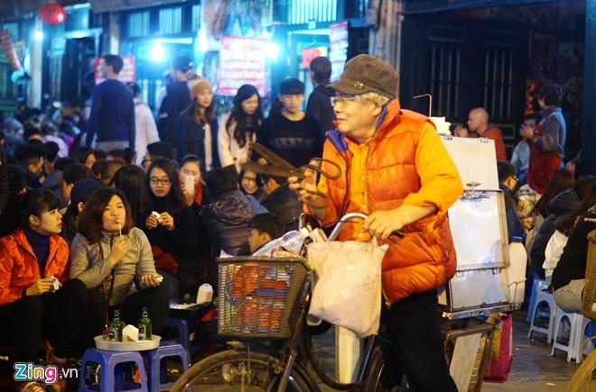 Enjoy food in Hanoi-06