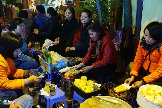 Enjoy food in Hanoi-08