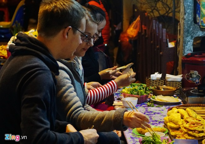 Enjoy food in Hanoi-12