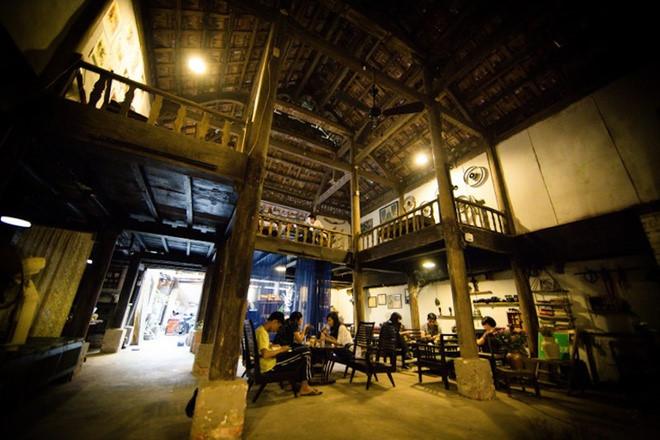 Café Nha San, 462 alley, Duong Buoi street