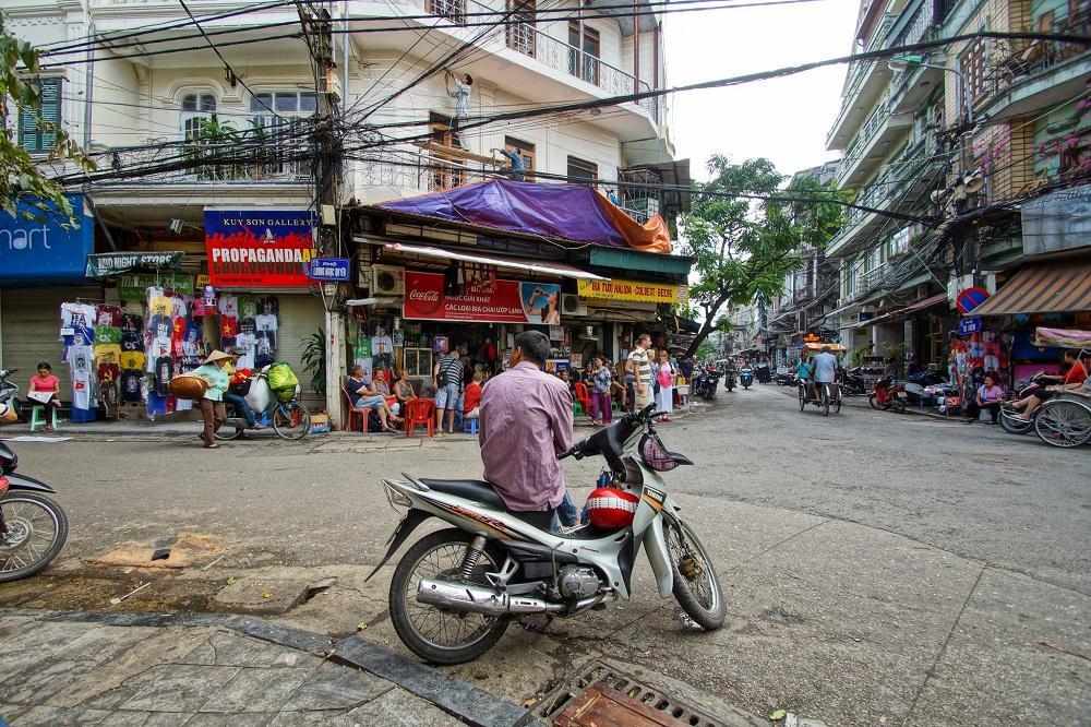 Go on a moto taxi in Hanoi
