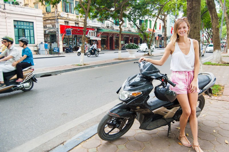 20 things to do in Hanoi-motobike
