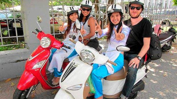 Посещение вокруг в Ханой мотоцикле такси-2