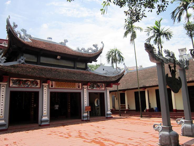Quan Thanh Temple-2