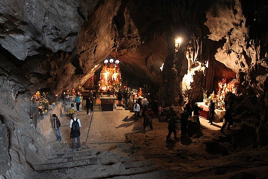 Huong Tich grotto