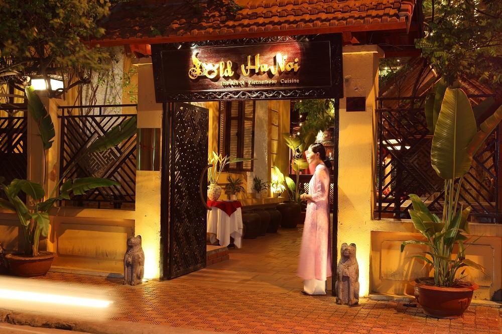 Eat in Old Hanoi restaurant