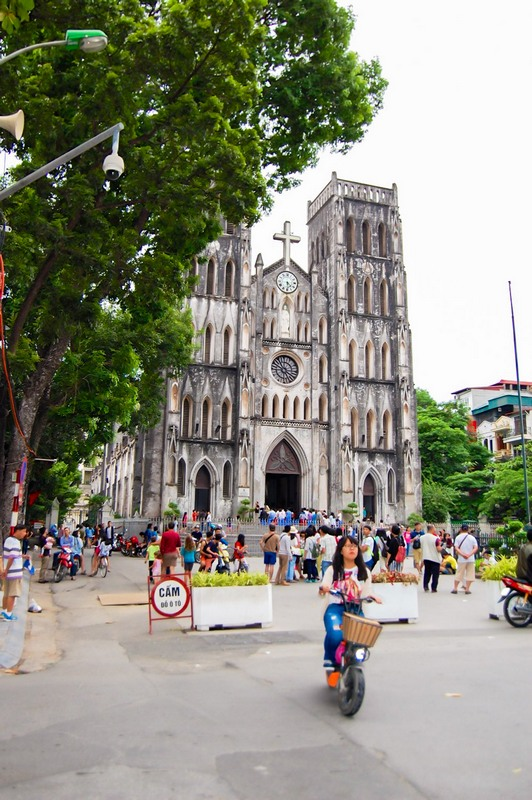20 things to do in Hanoi-Cathedral