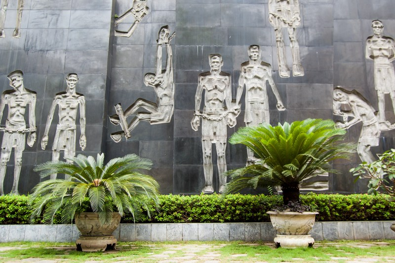 20 things to do in Hanoi-Ho Lo Prison