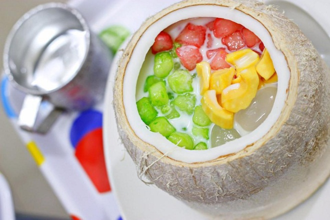 Sweetened porridge inside coconut fruit: this special dish is sold at 30 Han Thuyen Street. The price is VND45,000/coconut.
