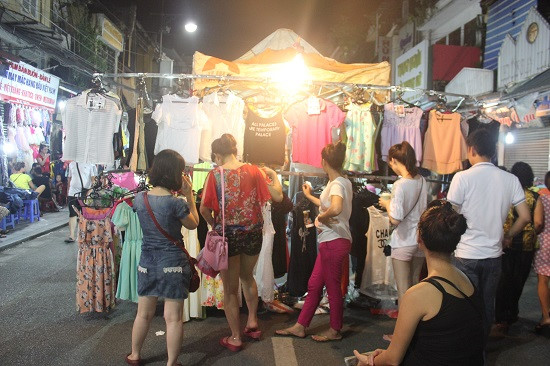 Hanoi night market