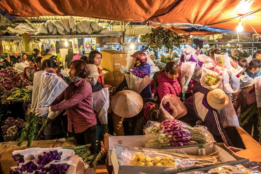 Quang Ba Flower market-3