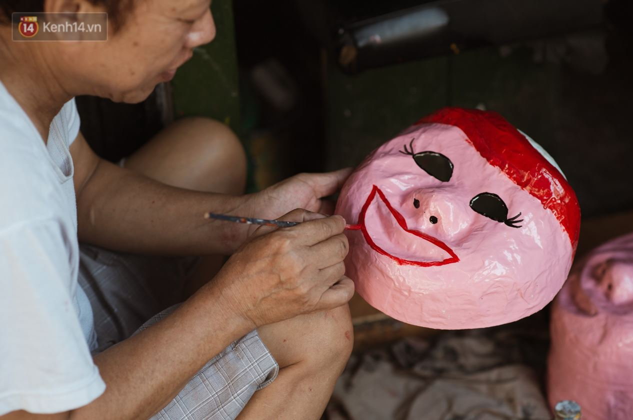 Paper Mask Workshop in Hanoi