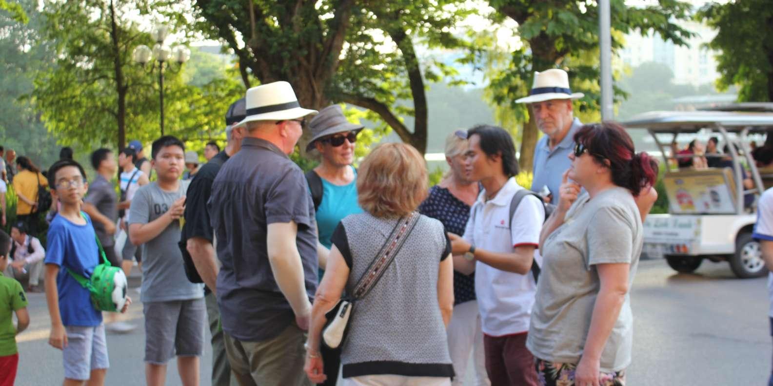 Join the free walking tour in Hoan Kiem Lake